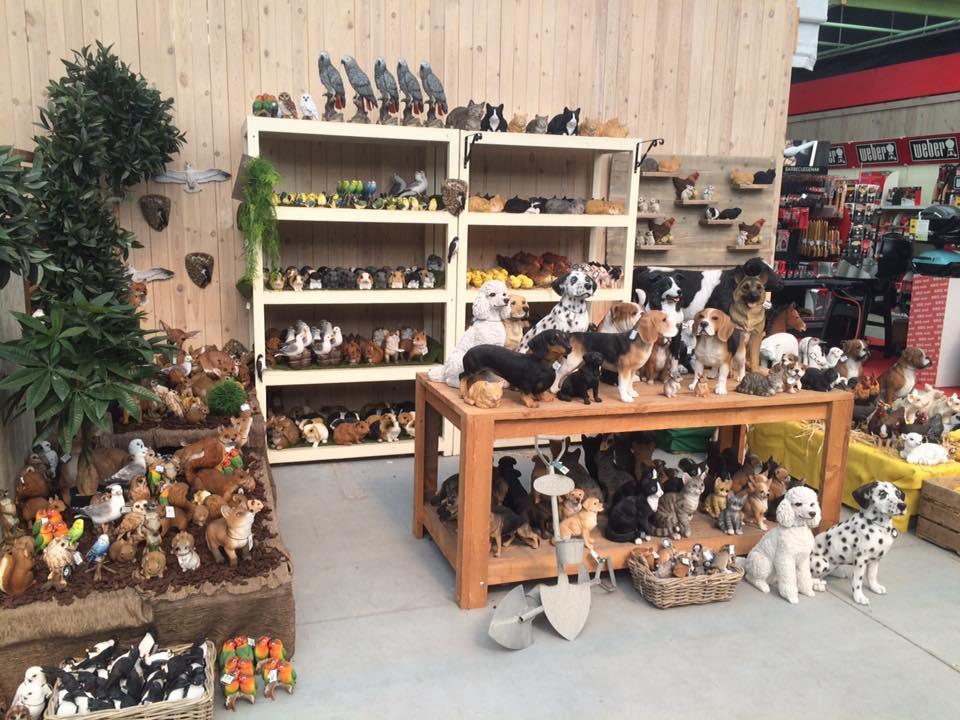 Dierenwinkel nabij Dendermonde en prachtige collectie dierenbeeldjes