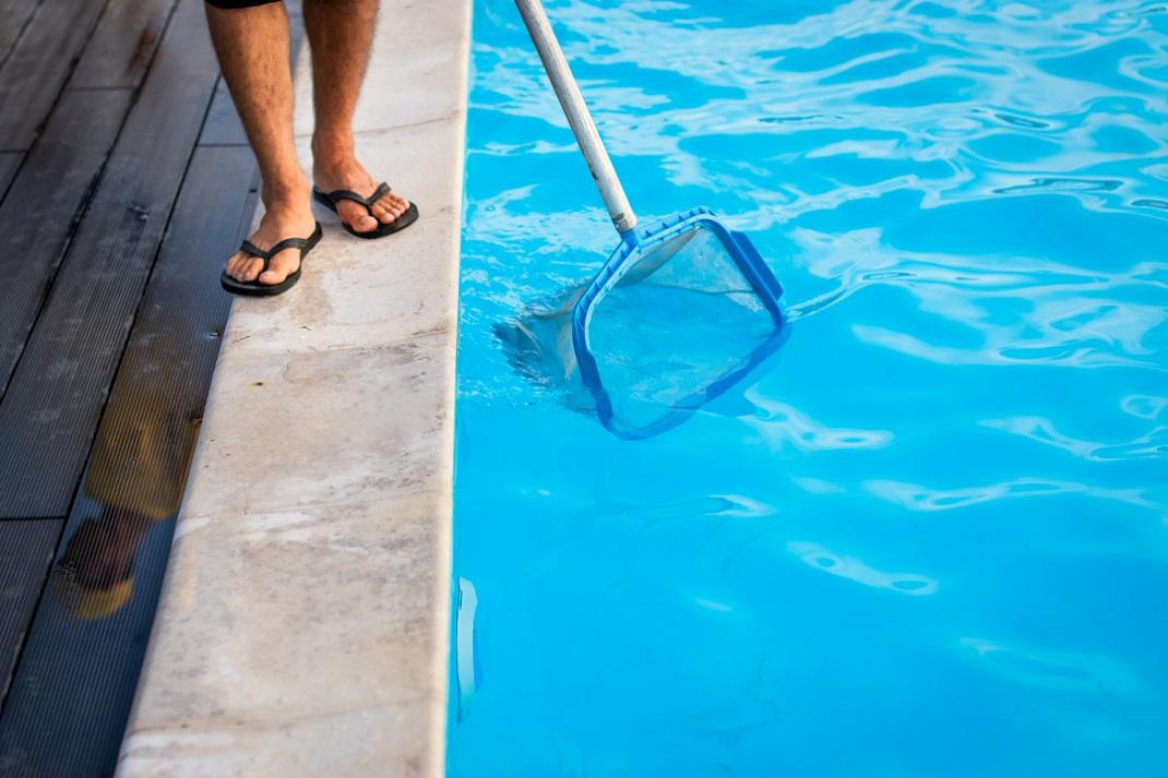 Onderhoud zwembad schoonmaken netje - Tuincentrum Vincent